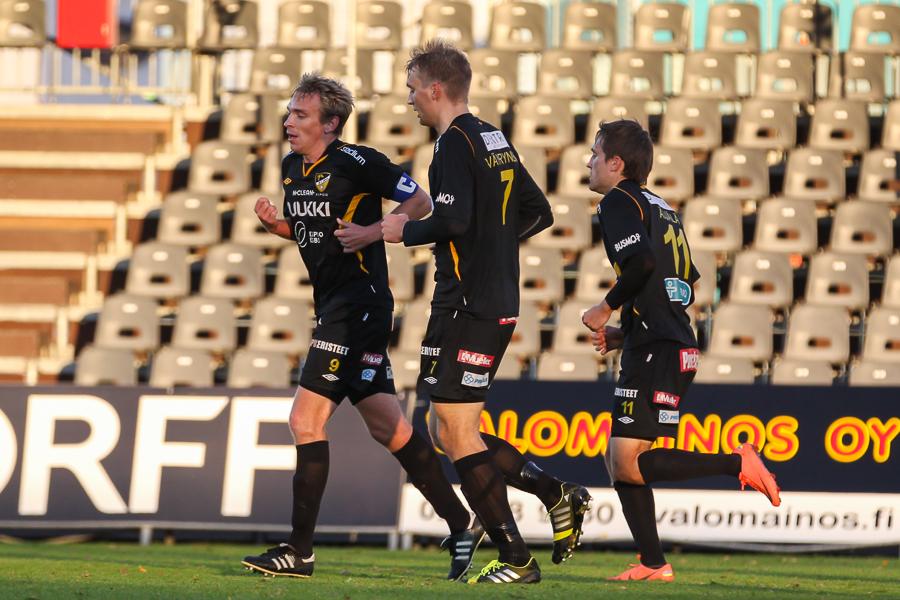 6.10.2013 - (FC Honka-KuPS)