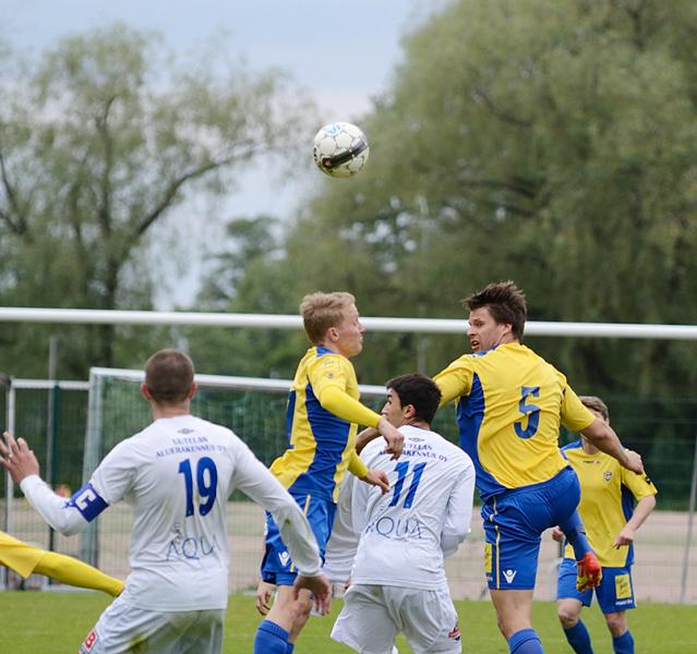 9.6.2012 - (FC Kuusysi-Gnistan)