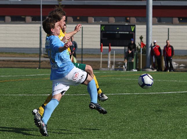 16.4.2011 - (FC PoPa-Ilves)