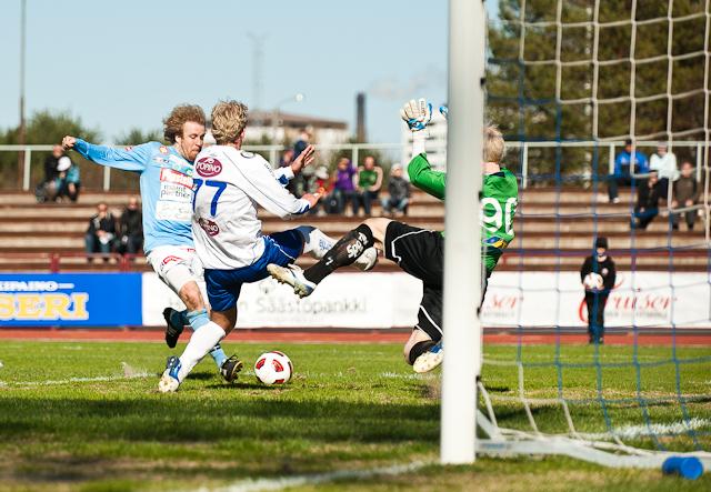 7.5.2011 - (FC PoPa-FC Hämeenlinna)